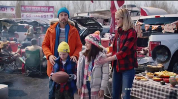 Old Navy TV Spot, 'Team Old Navy' Featuring Amy Schumer - Thumbnail 6