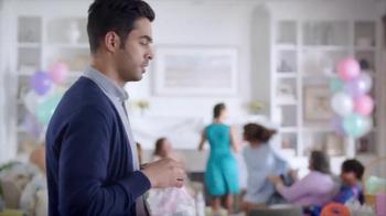 DIRECTV TV Spot, 'Baby Shower' [Spanish] - Thumbnail 2