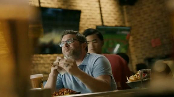 Buffalo Wild Wings Honey BBQ Wings TV Spot, 'Beware' - Thumbnail 7