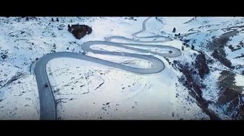 Unwrap a Jaguar Sales Event TV Spot, 'Adapt: 2017 Jaguar F-PACE' [T2] - Thumbnail 8