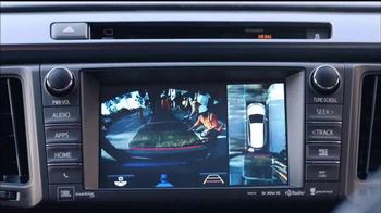 2016 Toyota RAV4 TV Spot, 'Me importa poco' [Spanish] - Thumbnail 5