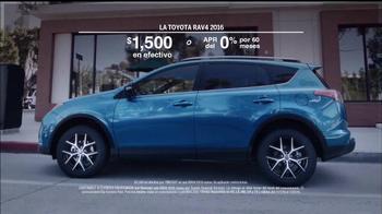 2016 Toyota RAV4 TV Spot, 'Me importa poco' [Spanish] - Thumbnail 8