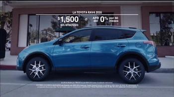 2016 Toyota RAV4 TV Spot, 'Me importa poco' [Spanish] - Thumbnail 9