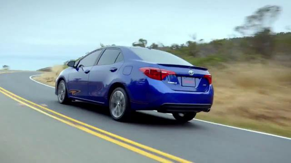 2017 Toyota Corolla TV Commercial, 'Style and Technology'