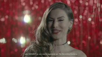 Verizon TV Spot, '2016 Latin Grammys' con Nastassja Bolívar [Spanish] - Thumbnail 3