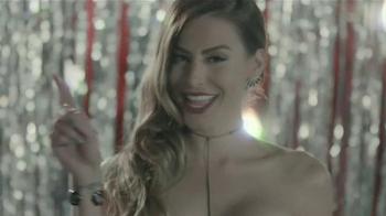 Verizon TV Spot, '2016 Latin Grammys' con Nastassja Bolívar [Spanish] - Thumbnail 4