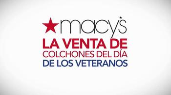 Macy's La Venta del Día de los Veteranos TV Spot, 'Camas' [Spanish] - Thumbnail 10