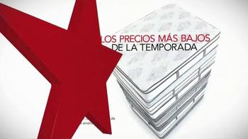 Macy's La Venta del Día de los Veteranos TV Spot, 'Camas' [Spanish] - Thumbnail 2