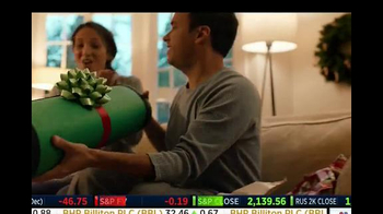 Groupon TV Spot, 'Gifts for Everyone' - Thumbnail 5
