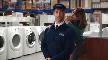Lowe's Black Friday Deals TV Spot, 'Maytag Eye Candy' Feat. Colin Ferguson - Thumbnail 3