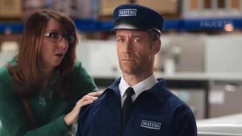 Lowe's Black Friday Deals TV Spot, 'Maytag Eye Candy' Feat. Colin Ferguson - Thumbnail 4