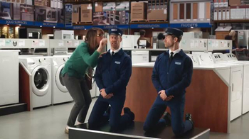 Lowe's Black Friday Deals TV Spot, 'Maytag Eye Candy' Feat. Colin Ferguson - Thumbnail 5