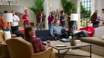 Papa John's Pan Pizza TV Spot, 'Carry' Featuring Peyton Manning, J.J. Watt - Thumbnail 2