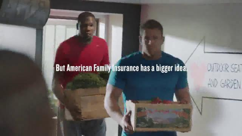 American Family Insurance TV Commercial, 'Hometown Hero: With Love Market'
