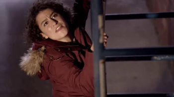 Rise of the Tomb Raider TV Spot, 'Comedy Central: Broad City: The Climb' - Thumbnail 5