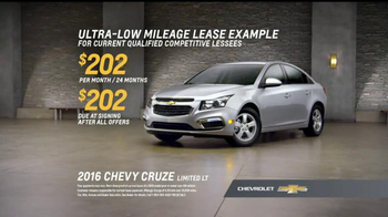 Chevrolet Holiday Bonus Tag TV Spot, 'Holiday Deals' - 491 commercial airings