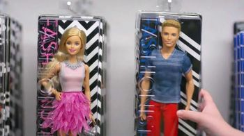 Toys R Us TV Spot, 'Barbie Fashionistas' - Thumbnail 4