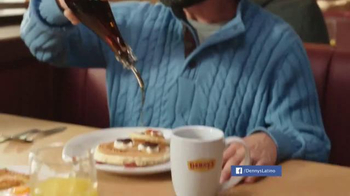 Denny's Rudolph Pancakes TV Spot, 'Sabores del navideño' [Spanish] - Thumbnail 7