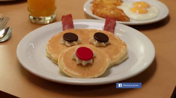 Denny's Rudolph Pancakes TV Spot, 'Sabores del navideño' [Spanish] - 119 commercial airings