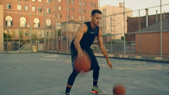 Cytosport Muscle Milk TV Spot, 'Stephen Curry Is Stronger Everyday' - Thumbnail 2