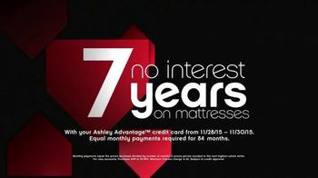 Ashley Furniture Homestore Black Friday 36 Hour Sale TV Spot, 'Mattresses' - Thumbnail 4