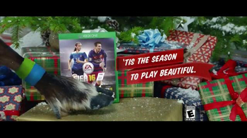 FIFA 16 TV Spot, '2v2 Holiday Special' Featuring Lionel Messi, Kobe Bryant - Thumbnail 6