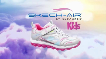 SKECHERS Skech-Air TV Spot, 'Trampoline' - Thumbnail 9