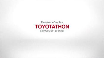 Toyota Toyotathon TV Spot, 'Vayamos juntos a la casa' [Spanish] - Thumbnail 9