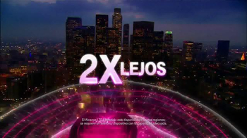 T-Mobile TV Spot, 'Shakira Connects on Extended Range LTE' [Spanish] - Thumbnail 6