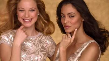 Macy's Friends & Family Sale TV Spot, 'Gold Glitter' - Thumbnail 1