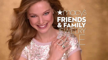 Macy's Friends & Family Sale TV Spot, 'Gold Glitter' - Thumbnail 2