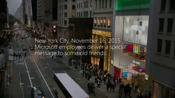 Microsoft TV Spot, 'Microsoft Spreads the Spirit of the Season on 5th Ave' - Thumbnail 2