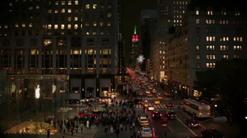 Microsoft TV Spot, 'Microsoft Spreads the Spirit of the Season on 5th Ave'