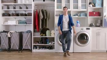 Downy Ultra TV Spot, 'Protege a la ropa' [Spanish] - Thumbnail 8