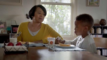 Banquet Chicken Pot Pie TV Spot, 'That's My Mom' - Thumbnail 5