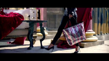 Victoria's Secret TV Spot, 'Free Gift: Tote' - Thumbnail 2
