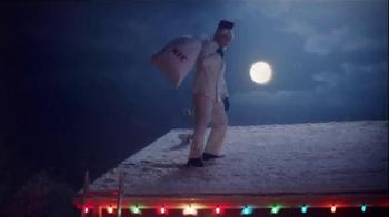 KFC $20 Family Fill Up TV Spot, 'Holiday Entrances' Feat. Norm Macdonald - Thumbnail 1