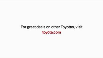 Toyota Toyotathon TV Spot, 'Carolers' - Thumbnail 7