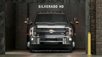Chevrolet Holiday Pricing TV Spot, 'Chevrolet Truck Reveal' - Thumbnail 6