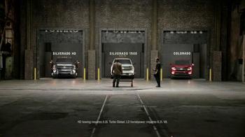 Chevrolet Holiday Pricing TV Spot, 'Chevrolet Truck Reveal' - Thumbnail 7