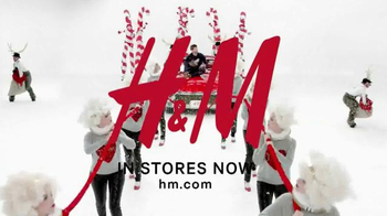 H&M TV Spot, 'Every Day Is a Holiday: Sweatshirt' Song by Katy Perry - Thumbnail 7