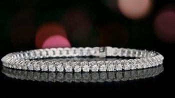 Helzberg Diamonds Diamond Tennis Bracelet TV Spot, 'Holiday Sock Drawer' - Thumbnail 3