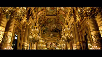 Victoria's Secret TV Spot, 'Holiday 2016: A Night at the Opera' - Thumbnail 4