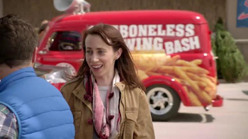 Popeyes $5 Boneless Wing Bash TV Spot, 'Back for the Holidays' - Thumbnail 6