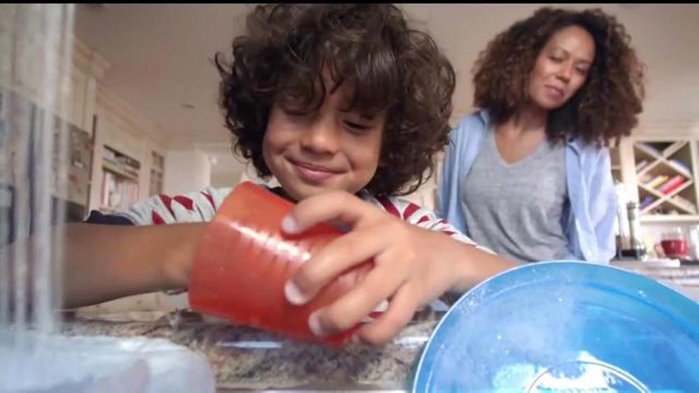 Bounty TV Commercial, 'M??s vida por rollo'