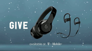 Beats Audio TV Spot, 'The Gift of Wireless' Ft. Steve Buscemi, Rebel Wilson - Thumbnail 7