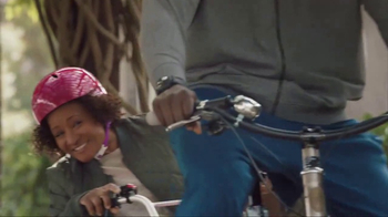 American Express TV Spot, 'Shaq and Wanda Sykes Shop for a Tandem Bike' - Thumbnail 2