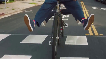 American Express TV Spot, 'Shaq and Wanda Sykes Shop for a Tandem Bike' - Thumbnail 4
