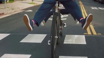 American Express TV Spot, 'Shaq and Wanda Sykes Shop for a Tandem Bike' - 31 commercial airings