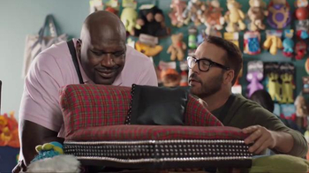 American Express TV Spot, 'Shop Small: Shaq and Jeremy Shop for Dog Beds' - Thumbnail 3